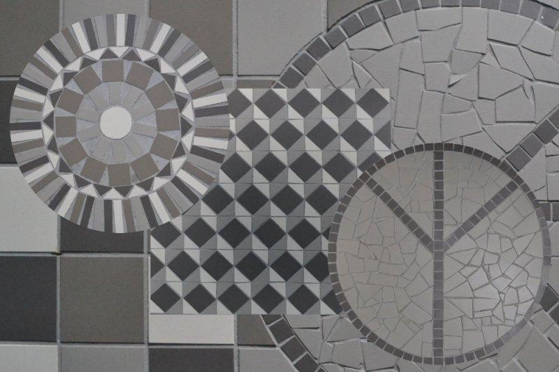 vloer met mozaiek details