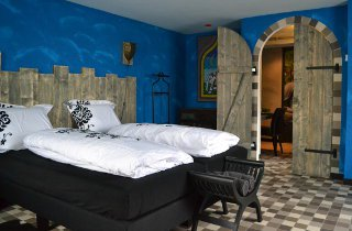 Spacious and artistic room