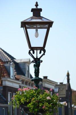 lantaarnpaal voor de deur